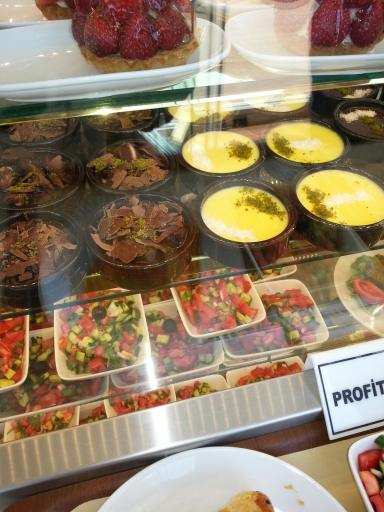 Pudding cafes everywhere!