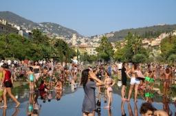 Children in the summer heat at Nice